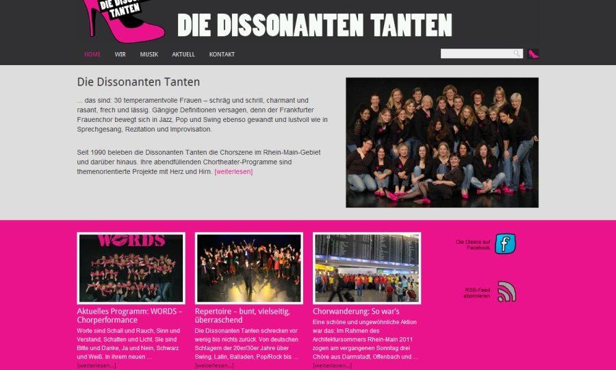 Relaunch: Die Dissonanten Tanten – starker Auftritt mit rosa Stöckelschuh